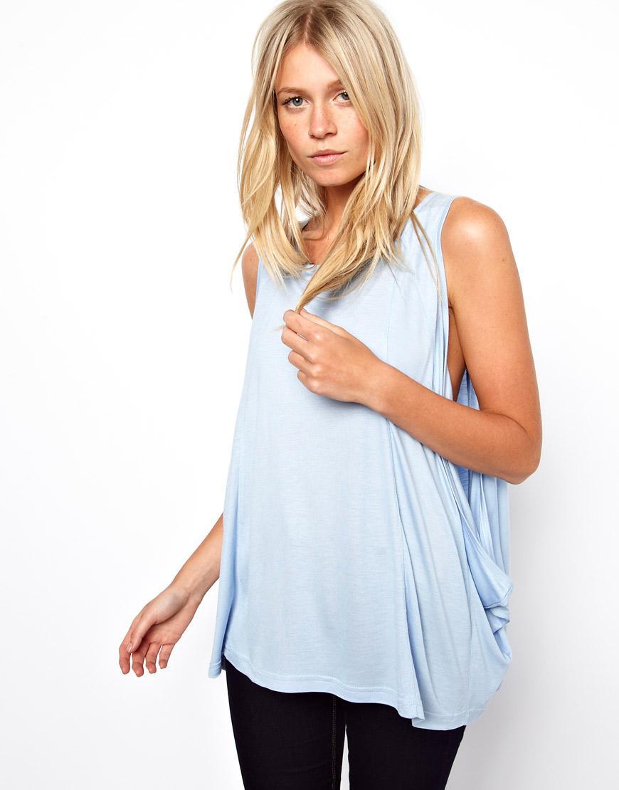 Foto Camiseta sin mangas con sisas caídas y pronunciadas de ASOS Azul d...