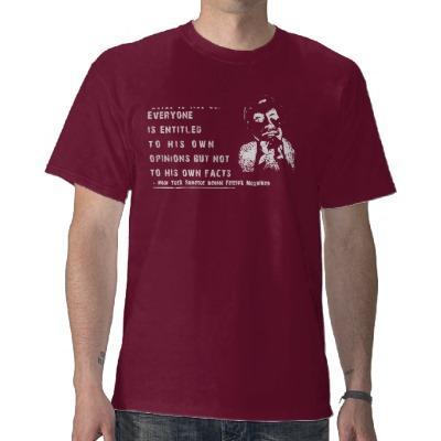 Foto Opiniones y hechos - oscuridad de la camisa de Moy