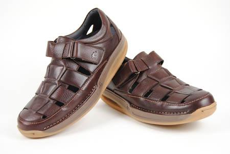 Foto sandalia mbt de piel marrón