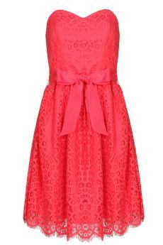 Foto Vestido de encaje rojo