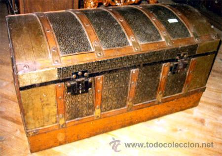 Foto antiguo baul de chapa y madera todo original y sello de la casa foto 85244 - Baules antiguos ...