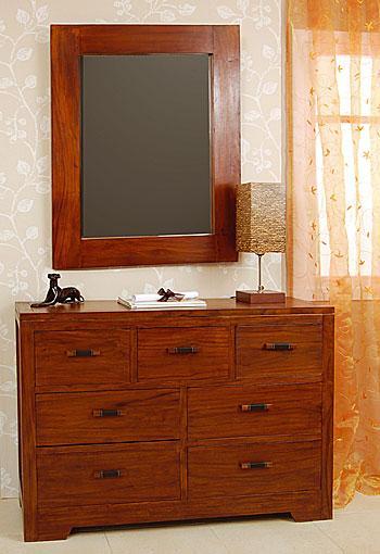 Foto tocador secreter foto 360052 for Comoda con espejo ikea