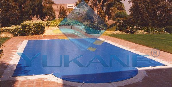 Foto lona cobertor pvc piscinas europa elipsa 1000 foto 947676 for Piscinas dtp