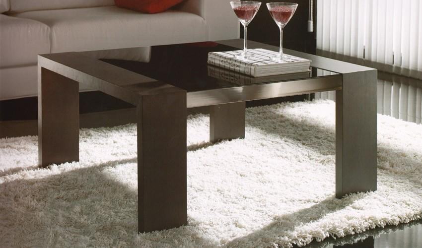 mesa de centro moderna con pouffs en madera de roble ref