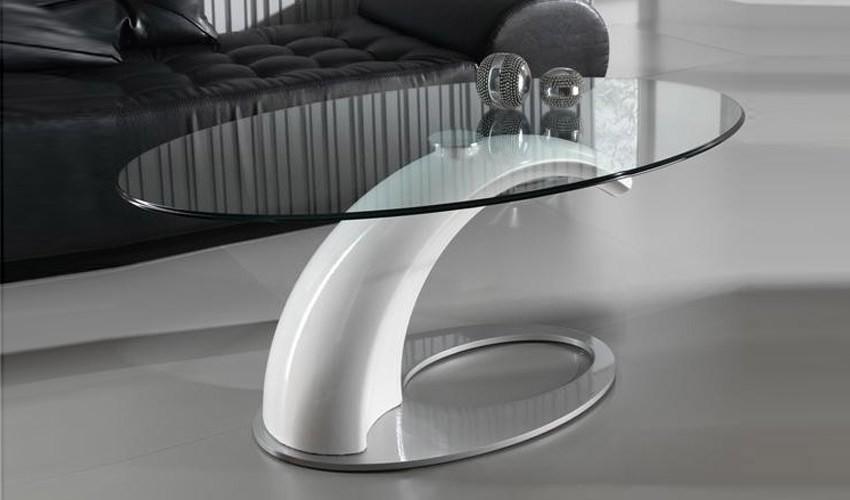 Foto mesa de comedor con tapa cristal y patas lacadas foto for Mesas de diseno online