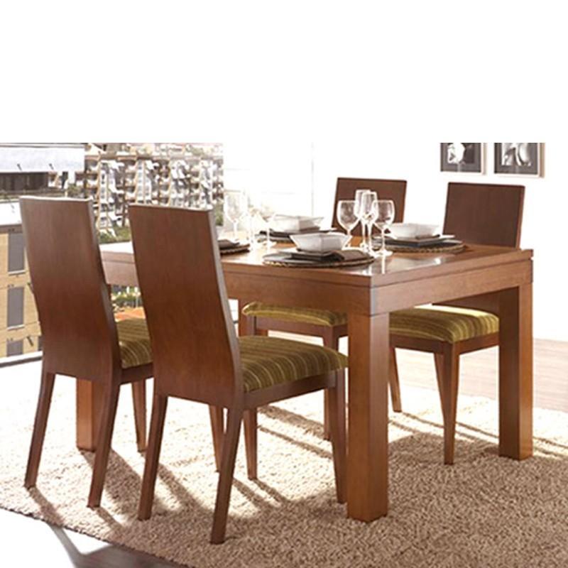 Foto mesa de comedor con tapa de madera y extensible foto for Mesa comedor madera maciza
