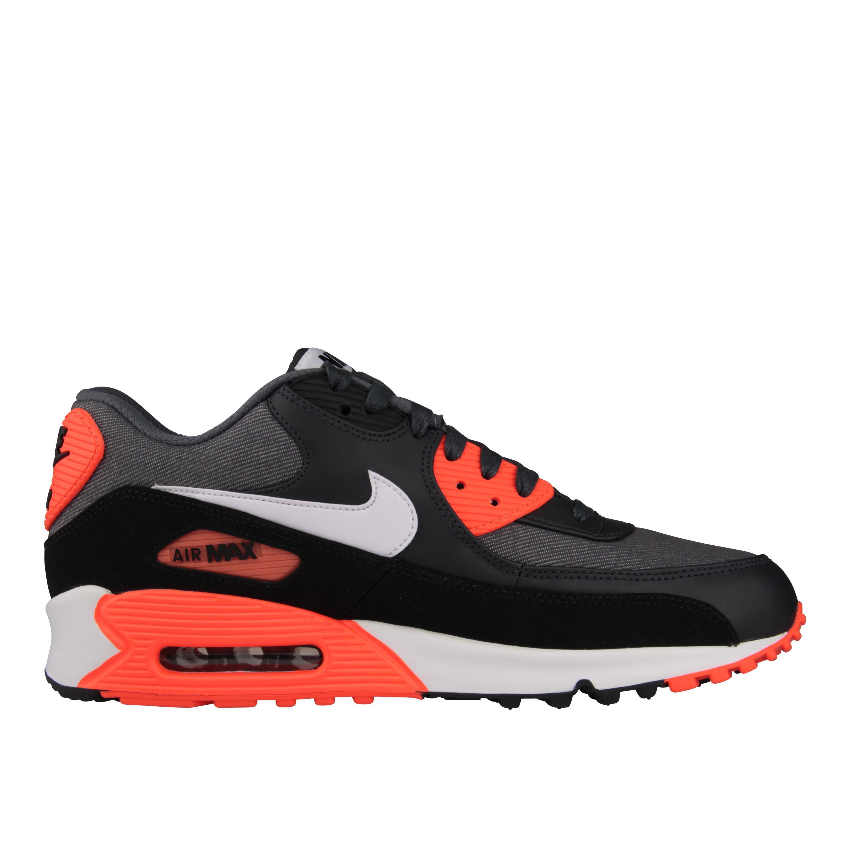 newest e0e42 4800c Foto Nike Air Max 90 Exclusiva   Foot Locker foto 421903