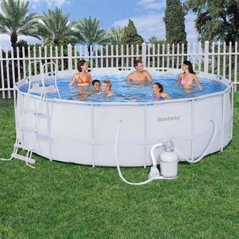 Foto piscina bestway rectangular frame 549x274x122cm con for Piscina 457 x 122