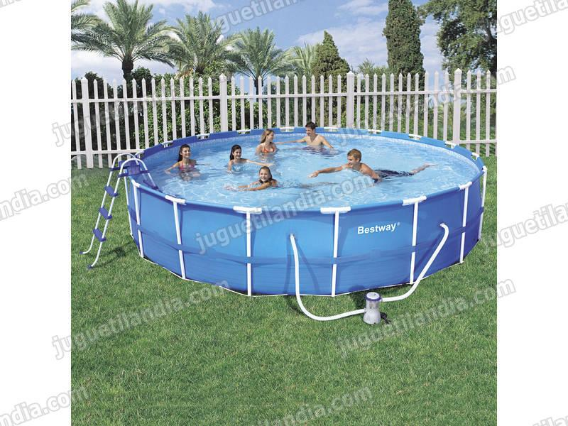 Foto piscina desmontable 549x107 56070 foto 313482 for Cubre piscina bestway