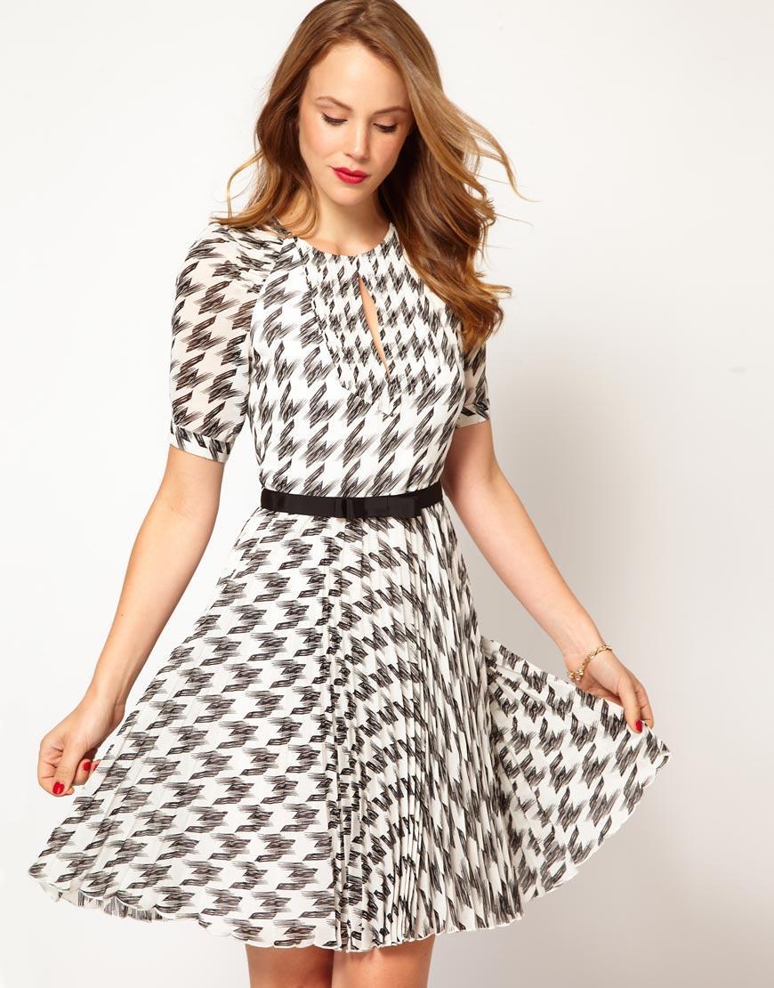 vestido-de-cuadros-con-falda-plisada-de-karen-millen-negro-y-blanco ...